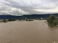台風通過後の昨日の千曲川